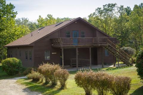 Outside view of Tamarak Lodge at Camp Friedenswald